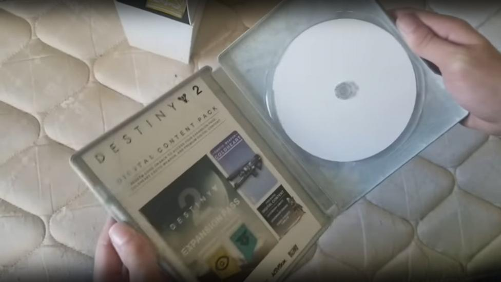 La edición física de Destiny 2 en PC viene con un disco de papel - Destiny 2 comes with a paper disc in its PC version